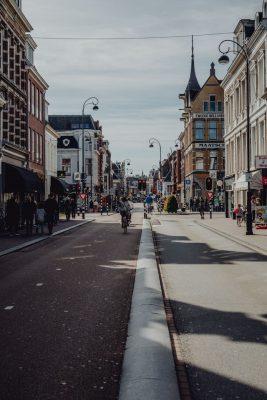 Schoonmaakbedrijf Haarlem maakt kantoren schoon, straat Haarlem met kantoren